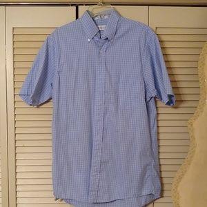 Men's short sleeve Van Heusen button down shirt
